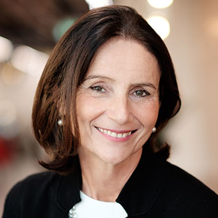 Picture of Carolyn Fairbairn